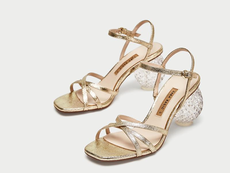 df9f07919 حذاء ذو كعب عالٍ ذهبي، من زارا في مول الإمارات ومراكز سيتي سنتر للتسوق
