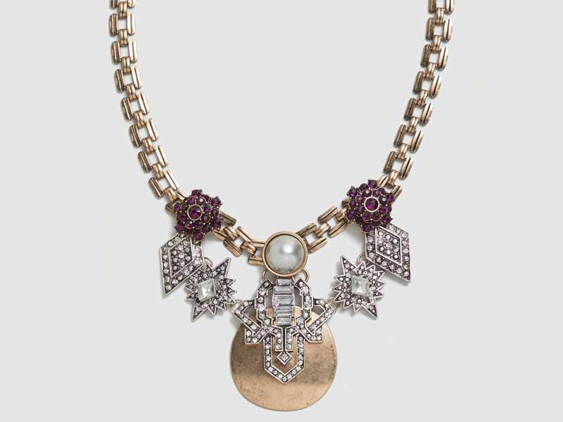 Crystal Metal Necklace to suit with every outfit
