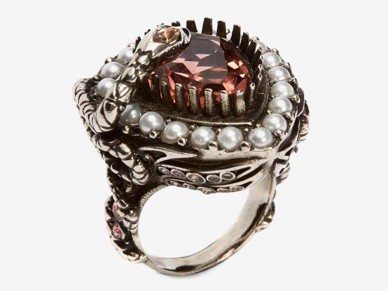 9e732c444 خاتم من الحديد من أليكساندر ماكوين دبي، في هارفي نيكلز دبي بمول الإمارات